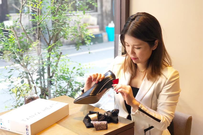 フランス靴メーカー「TANYA HEATH Paris」の革新性に惚れ込み、単身渡仏して日本独占販売代理店の話を取り付け、株式会社inaceを立ち上げた上野真里子さん。