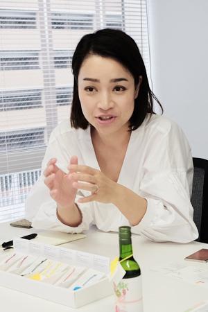 マーケティング課 主査 辻加那子さん。