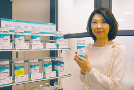 経理 総務マネージャーの辻本佳子さん。
